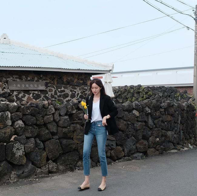 Quần skinny jeans đùng đùng hot trở lại và 12 cách diện bạn nên cập nhật ngay để sành điệu chẳng kém ai - Ảnh 9.