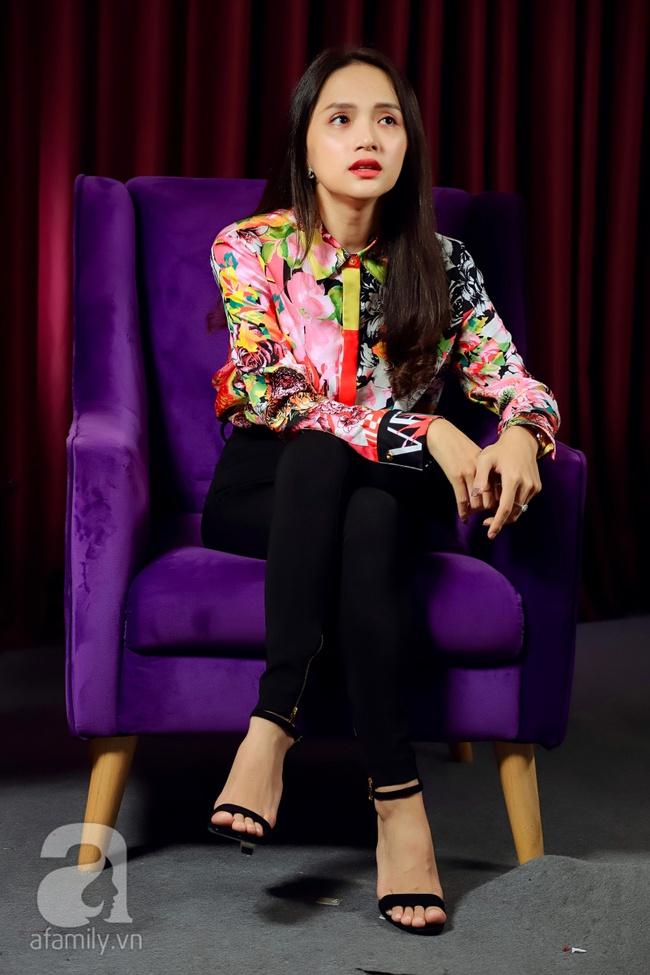 Hoa hậu Hương Giang: Tôi lừa cả người yêu, tôi viện lý do mình là con gái nên không nói chuyện chuyển giới  - Ảnh 3.