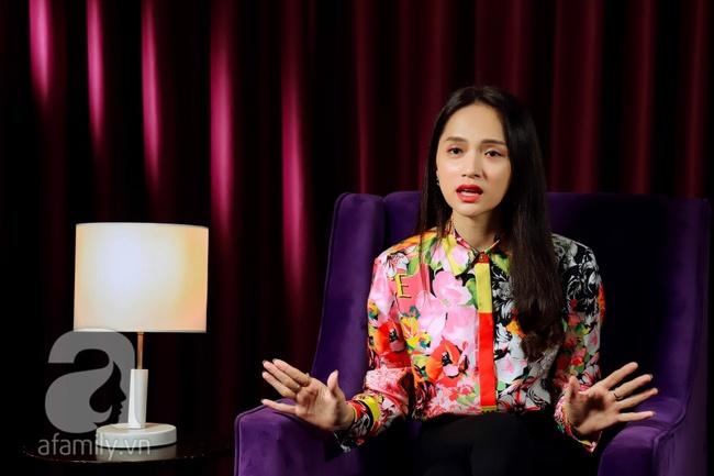 Hoa hậu Hương Giang: Uống rượu rồi bật khóc, sợ hãi khi nói về đám cưới, muốn đổi mọi thứ để được sinh con - Ảnh 13.