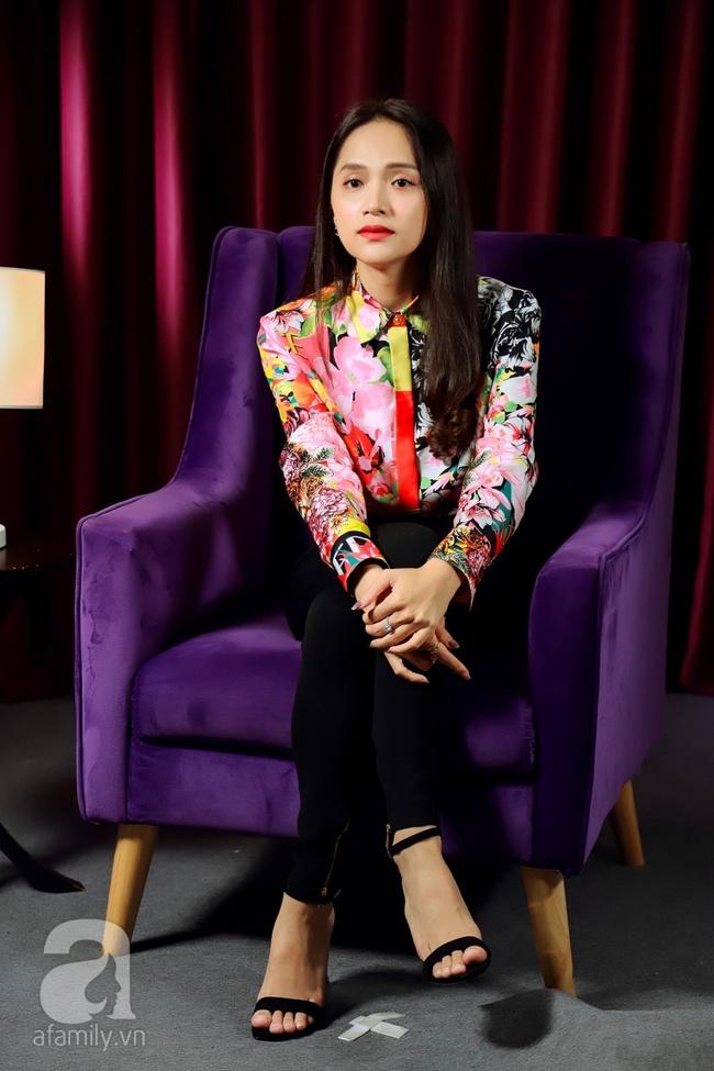 Hoa hậu Hương Giang: Uống rượu rồi bật khóc, sợ hãi khi nói về đám cưới, muốn đổi mọi thứ để được sinh con - Ảnh 11.