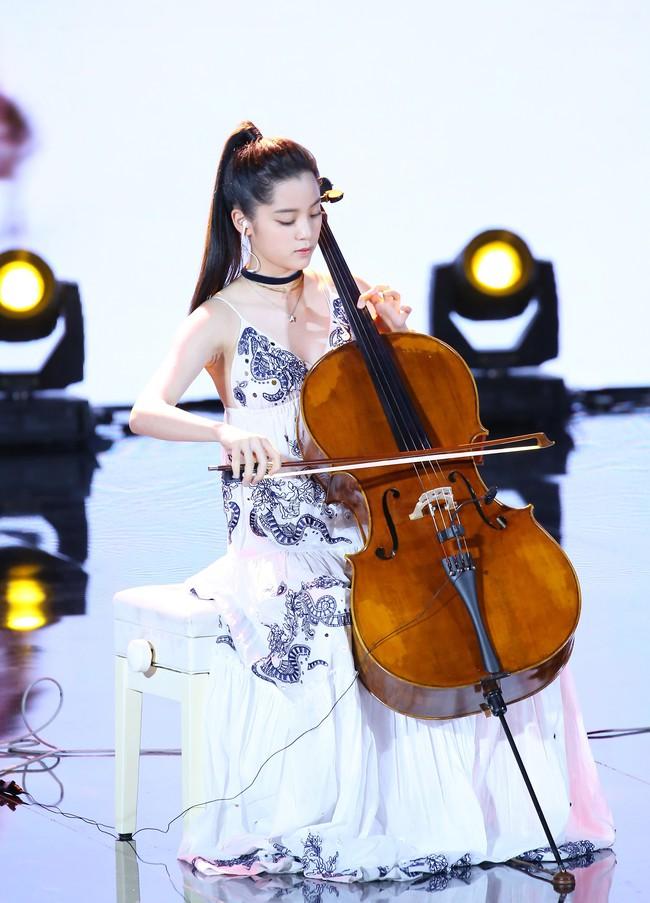 """Dương Tử lại bị chê bai nhan sắc, miệt thị ngoại hình không thể sánh bằng """"thần đồng Cello"""" Âu Dương Na Na - Ảnh 5."""