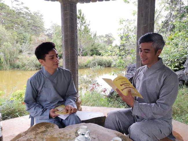 Cặp đôi nam diễn viên Đình Toàn - Quang Thảo khiến công chúng ngưỡng mộ vì mối quan hệ bạn tâm giao suốt 20 năm - Ảnh 1.