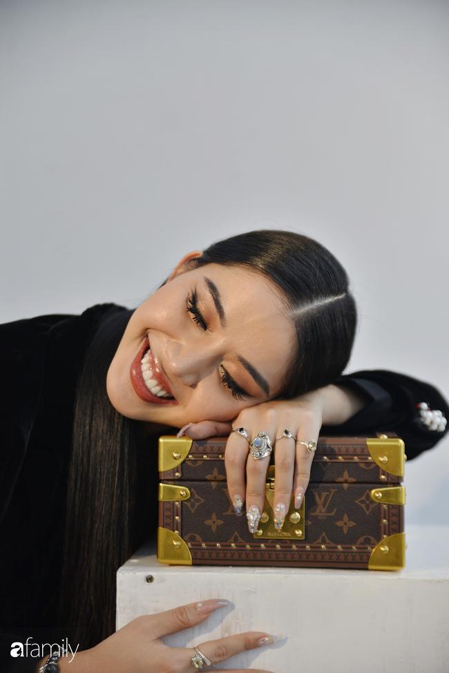 """Kim Phượng - Từng bị bố mẹ xem là sự thất bại lớn nhất trong cuộc đời vì làm nghề """"lạ"""" và sự nổi dậy thành công của người phụ nữ khi trở thành triệu phú USD tự thân ở tuổi 25 - Ảnh 12."""