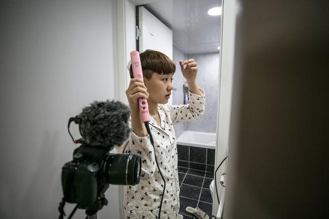 """Hàn Quốc đề cao nhan sắc nhưng phụ nữ nước này giờ chạy theo phong trào """"Escape the Corset"""": Không trang điểm, chấp nhận sống thật với diện mạo bẩm sinh - Ảnh 7."""