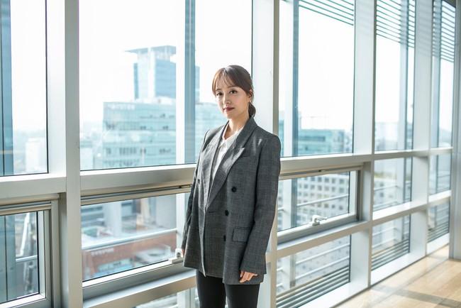 """Hàn Quốc đề cao nhan sắc nhưng phụ nữ nước này giờ chạy theo phong trào """"Escape the Corset"""": Không trang điểm, chấp nhận sống thật với diện mạo bẩm sinh - Ảnh 9."""