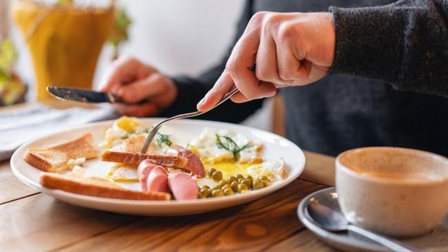Ăn theo cách này vào bữa sáng, cơ thể sẽ tiêu hao gấp đôi lượng calo so với bình thường, chị em nào đang ăn kiêng nên áp dụng ngay - Ảnh 1.