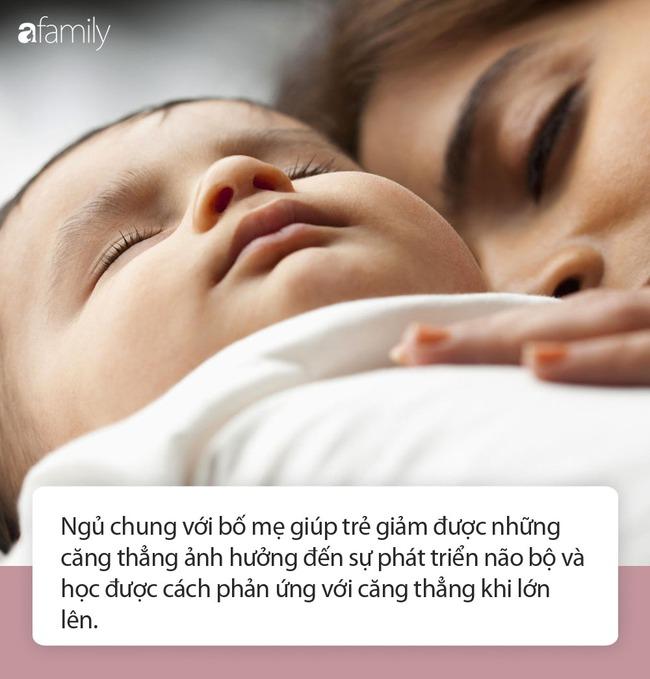 Những lợi ích không ngờ tới khi cho con ngủ chung giường với bố mẹ - Ảnh 2.