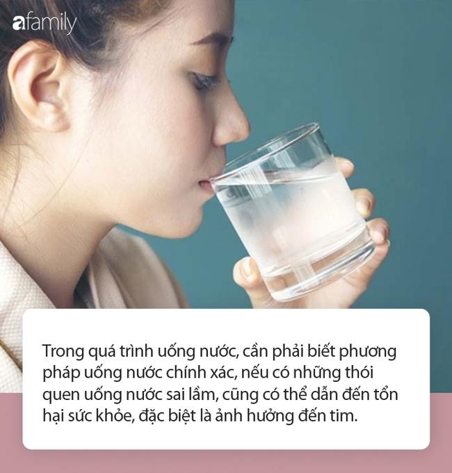 3 thói quen uống nước không chỉ ảnh hưởng thận mà còn khiến tim bị suy yếu - Ảnh 1.