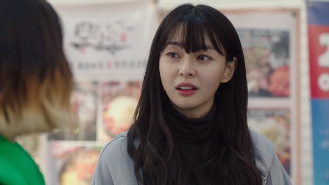 """Thương lắm Soo Ah (Itaewon Class): Xinh như búp bê nhưng không được tô son cho tử tế, khiến dân tình la ó """"không thể tập trung xem phim nổi""""  - Ảnh 4."""