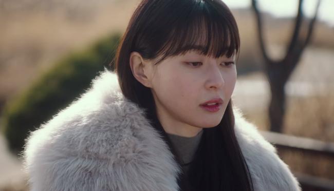 """Thương lắm Soo Ah (Itaewon Class): Xinh như búp bê nhưng không được tô son cho tử tế, khiến dân tình la ó """"không thể tập trung xem phim nổi""""  - Ảnh 2."""