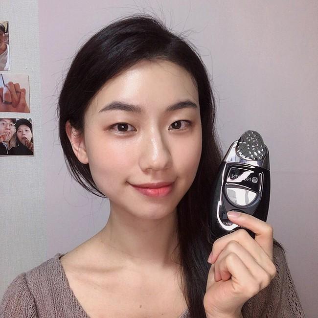 """Một quy trình skincare hiệu quả vào mùa Đông có thể khiến da """"toang"""" vào mùa Xuân nếu bạn không lưu ý 4 điều - Ảnh 3."""