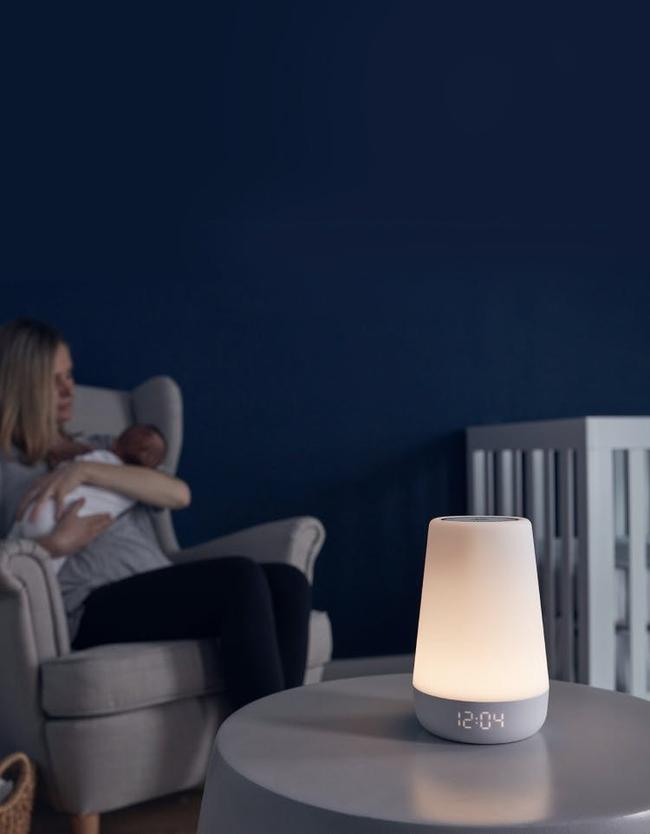 Các chuyên gia cho rằng tắt đèn là một cách luyện cho trẻ sơ sinh vào giấc ngủ nhanh hơn - Ảnh 5.