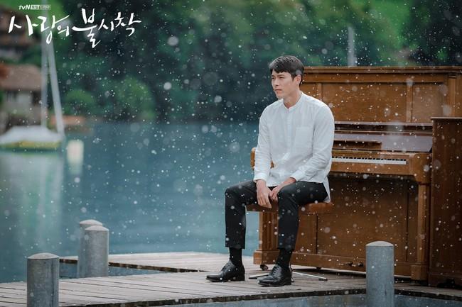 Rộ tin đồn Hyun Bin và Kang Sora tái hợp, còn lộ bằng chứng theo chân bạn trai sang tận Thụy Sỹ? - Ảnh 4.