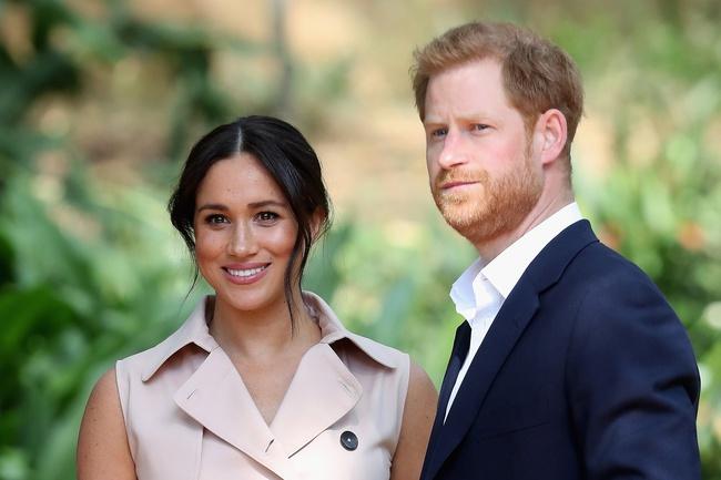 Chị em công sở muốn độc lập về tài chính hãy làm theo 5 bước mà Hoàng tử Harry và vợ Meghan đã khuyên bảo dưới đây! - Ảnh 2.