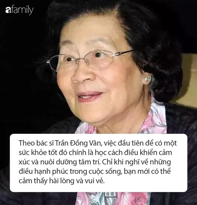 """96 tuổi vẫn giữ được thần sắc cùng làn da mịn màng, hồng hào như thiếu nữ 18: Bác sĩ Trung Quốc tiết lộ bí quyết đến từ """"3 món không ăn, 4 việc đừng làm"""" - Ảnh 4."""
