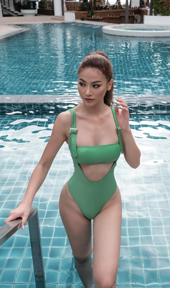 Hoa hậu Phương Khánh thả dáng tại biển Boracay nhưng múi bụng mới là điều chú ý - Ảnh 2.