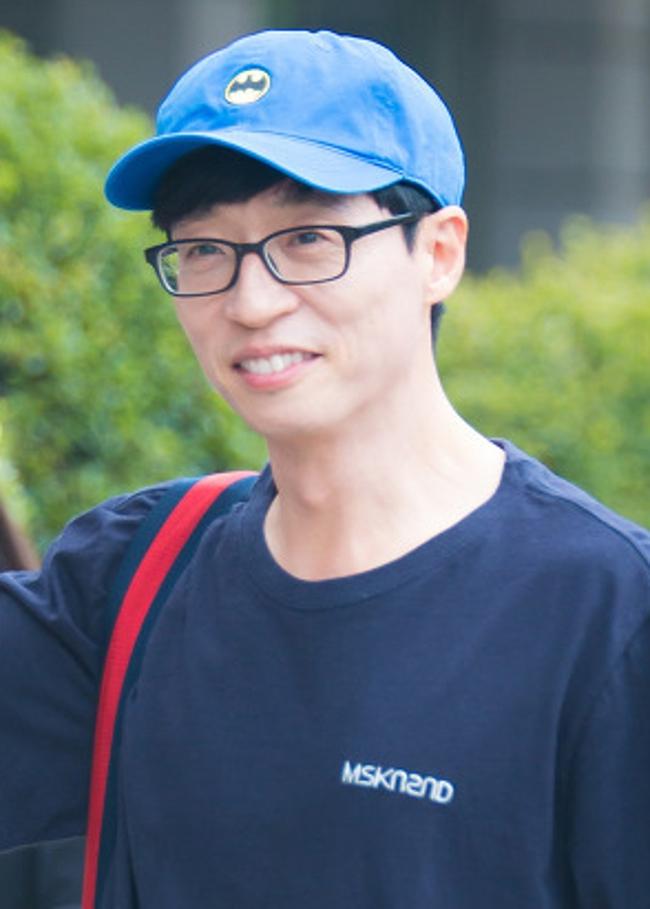 Loạt nghệ sĩ tên tuổi Hàn Quốc chung tay giúp đỡ chính phủ phòng chống dịch Covid-19: Người ủng hộ tiền bạc, người quyên góp khẩu trang - Ảnh 3.