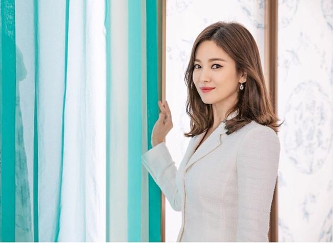 """Điểm chung bất ngờ giữa bạn gái công khai và """"tình tin đồn"""" của Hyun Bin: Tất cả đều sở hữu những nét nổi bật này, hóa ra gu """"đại úy"""" Ri thích là như vậy - Ảnh 3."""