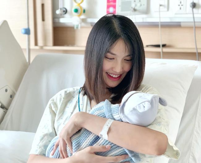 Sau 3 tháng làm mẹ bỉm sữa, Lan Khuê mách hội chị em cách xử lý 6 vấn đề thường gặp ở trẻ sơ sinh - Ảnh 3.