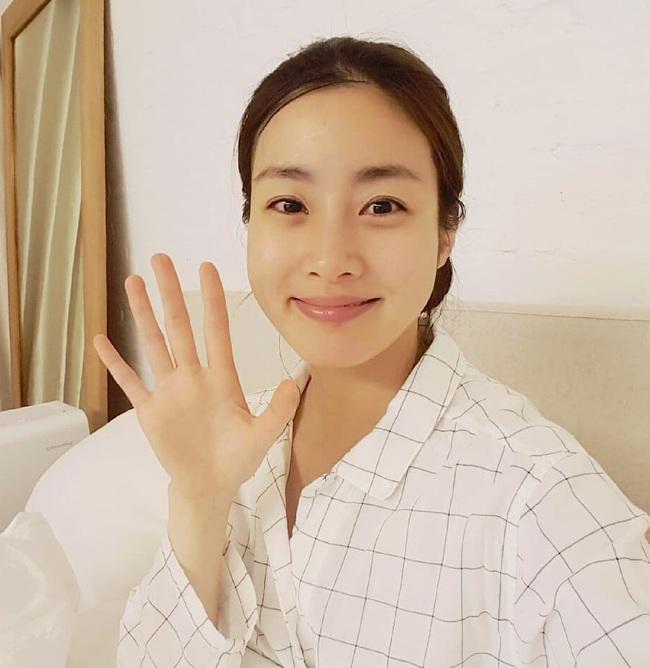 """Điểm chung bất ngờ giữa bạn gái công khai và """"tình tin đồn"""" của Hyun Bin: Tất cả đều sở hữu những nét nổi bật này, hóa ra gu """"đại úy"""" Ri thích là như vậy - Ảnh 8."""