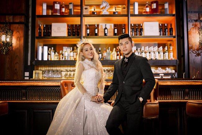 Lương Bằng Quang tung loạt ảnh cưới khi bị nghi ngờ tạo chiêu trò nhưng lại không chịu nhận mình là chồng của Ngân 98 - Ảnh 2.