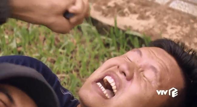"""""""Sinh tử"""" tập 73: Gặp Mạnh Trường để cầu cứu, Trọng Hùng bị đàn em của Việt Anh siết cổ đến suýt chết - Ảnh 5."""