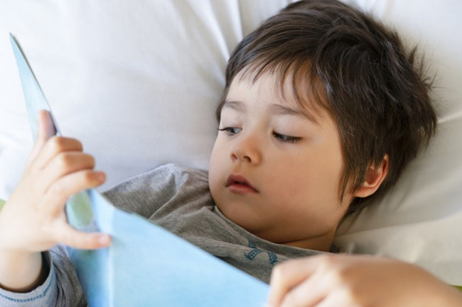 Rèn con đi ngủ đúng giờ sẽ dễ dàng hơn bao giờ hết nếu bố mẹ áp dụng theo phương pháp 4B - Ảnh 3.