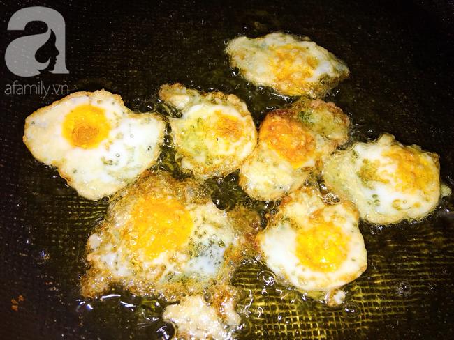 Trứng cút xốt cà - làm trong 10 phút, ăn trong 2 phút là hết veo! - Ảnh 3.