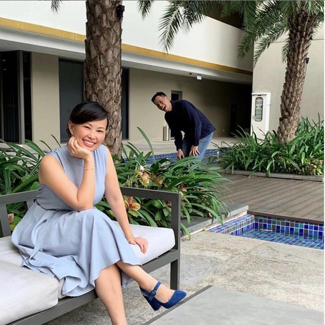 Shark Linh lại đăng ảnh truyền năng lượng tích cực cho chị em, song nhân vật phía sau hot mom 43 tuổi mới thu hút chú ý - Ảnh 1.