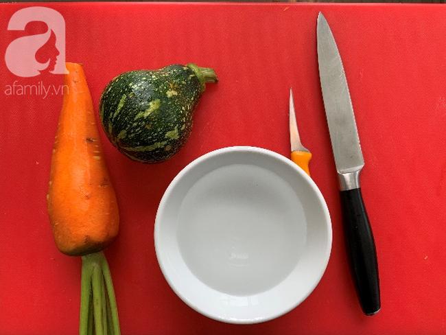 Dùng cà rốt và vỏ bí trang trí đĩa ăn đẹp tinh tế không ngờ lại dễ đến thế! - Ảnh 1.