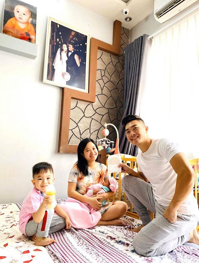 MC Hồng Phượng tiết lộ mỗi ngày uống 2 loại nước để sữa về nhanh sau sinh mổ và còn thừa sữa trữ đông cho con - Ảnh 1.