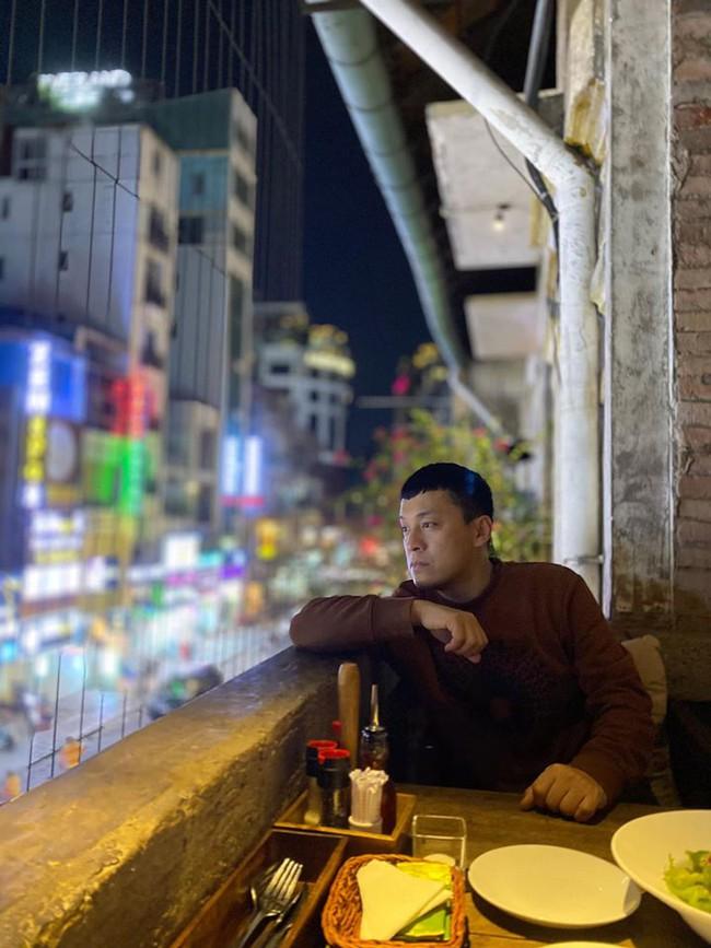 Sài Gòn một buổi tối không giống như những buổi tối bình thường trước đây. Corona virus đang tung hoành ngang dọc, Lam Trường viết.