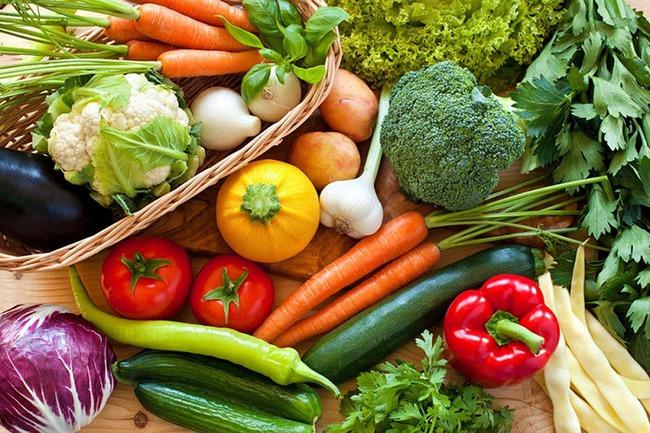Ăn đường có hại cho cả cơ thể, bác sĩ Nhật khuyến cáo nên tìm mua những loại rau củ có 7 màu, màu càng sáng càng có nhiều chất chống oxy hóa, ngăn ngừa bệnh tật lẫn kéo dài tuổi thọ - Ảnh 1.