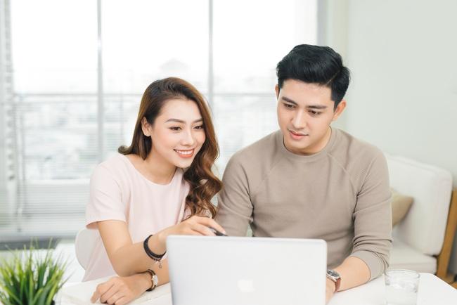 Chuyên gia khuyên chị em công sở 5 điều cần lưu ý để vừa làm việc tại nhà hiệu quả vừa giữ mối quan hệ tốt với chồng - Ảnh 4.