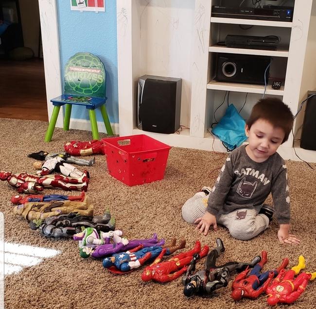 Từ quan niệm lỗi thời cho rằng trẻ nhỏ chỉ biết ăn và chơi, những bức ảnh chụp đầy ý nghĩa đã chứng minh điều ngược lại: Con chính là 'chiến binh' tí hon dũng cảm, sống đầy trách nhiệm - Ảnh 3.