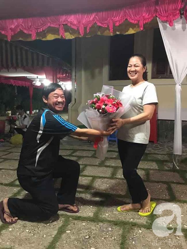 """Vượt qua ngăn cản để cưới cô gái nghèo, 29 năm sau người đàn ông vẫn xuýt xoa về vợ: """"Đẹp như minh tinh Hong Kong"""" và khẳng định vợ là trụ cột trong nhà - Ảnh 4."""