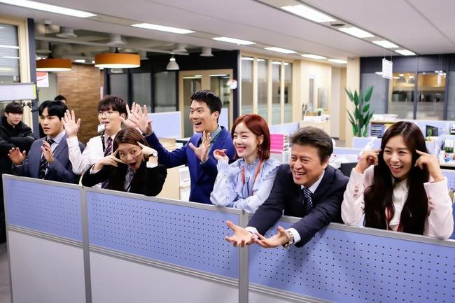 Rèn luyện nội tâm mạnh mẽ để hưởng đời hạnh phúc, trước tiên dân công sở cần buông bỏ 5 điều này - Ảnh 1.