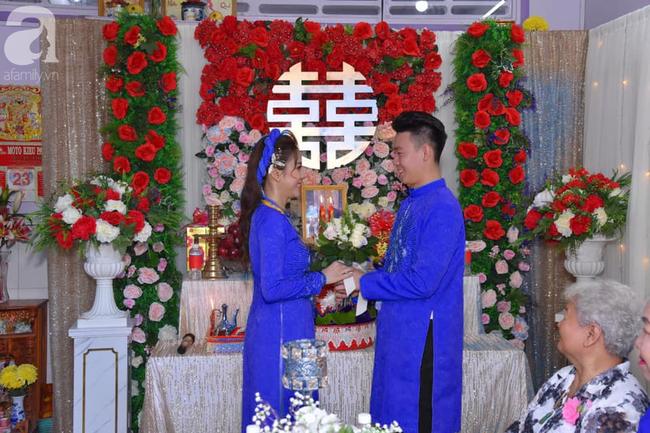 """Khoe ảnh vợ diện váy cưới xanh nõn chuối trong ngày cưới, chú rể tiết lộ sự thật bất ngờ đằng sau màn thay váy """"nhanh như chớp"""" - Ảnh 10."""