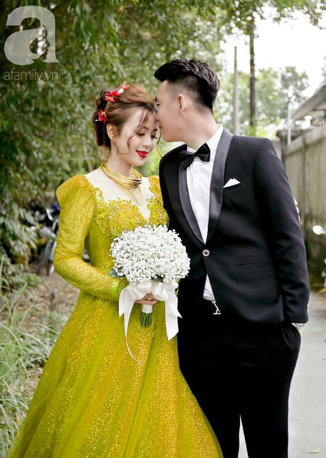 """Khoe ảnh vợ diện váy cưới xanh nõn chuối trong ngày cưới, chú rể tiết lộ sự thật bất ngờ đằng sau màn thay váy """"nhanh như chớp"""" - Ảnh 8."""