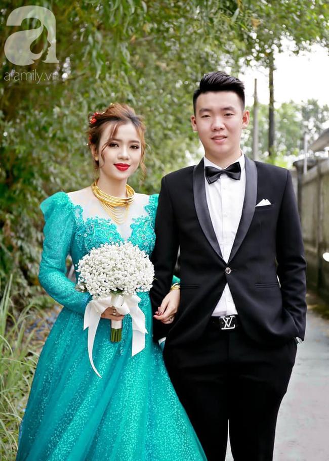 """Khoe ảnh vợ diện váy cưới xanh nõn chuối trong ngày cưới, chú rể tiết lộ sự thật bất ngờ đằng sau màn thay váy """"nhanh như chớp"""" - Ảnh 6."""