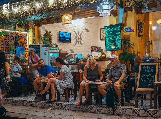 Cafe Việt lại được vinh danh trên báo quốc tế: Với người Việt, cafe không chỉ là năng lượng, đó là một phong cách sống - Ảnh 1.