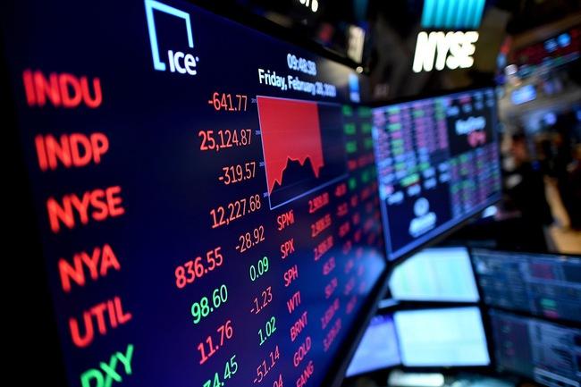 Kinh tế nhiều biến động giữa đại dịch Covid-19, đầu tư vào đâu để bảo vệ túi tiền? - Ảnh 1.