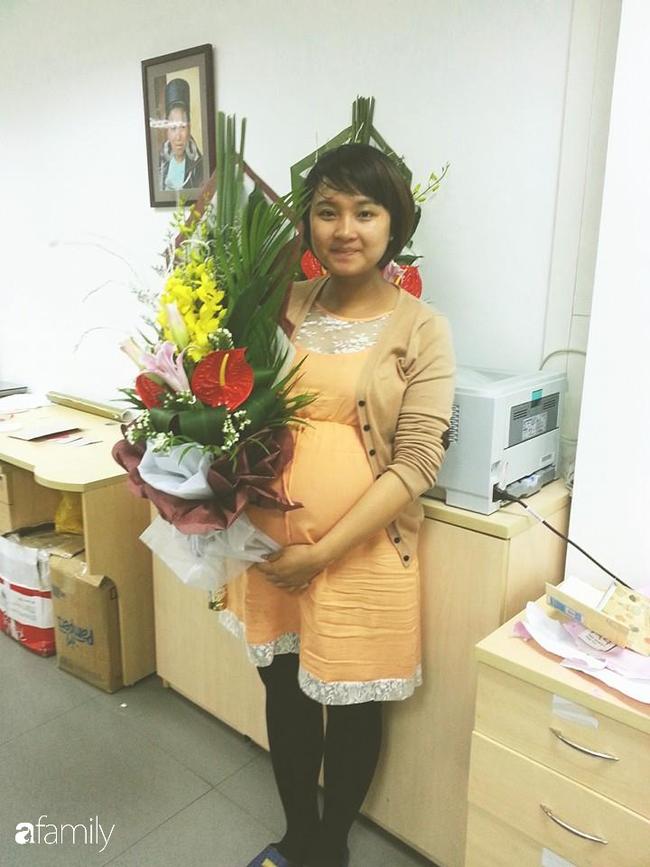 Con được 4 tuổi bụng vẫn rạn, to, xệ như bầu 7 tháng, mẹ trẻ Hà Nội quyết tâm hồi dáng ngoạn mục sau sinh lần 2, còn có ông xã giảm cân cùng - Ảnh 2.