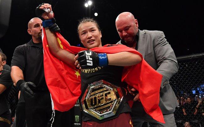 Từ một giáo viên mầm mon trở thành võ sĩ hàng đầu thế giới, Trương Vĩ Lệ trở thành biểu tượng nữ quyền mới của Trung Quốc - Ảnh 1.