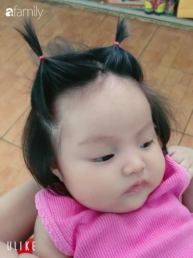 """Bé gái 3 tháng tuổi gây sốt vì mái tóc """"chôm chôm"""" dài, đen, dựng đứng, vừa chào đời đã gây ấn tượng nhất khoa sản - Ảnh 3."""