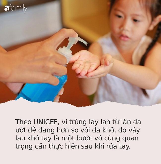 Rửa tay bằng xà phòng thôi chưa đủ! UNICEF khuyến cáo thêm 1 bước cuối cùng nhưng đặc biệt quan trọng rất nhiều người bỏ qua - Ảnh 2.