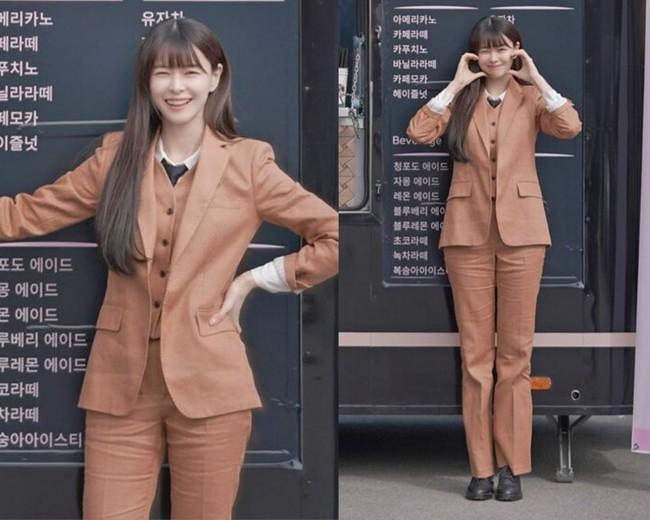 Nhờ Kwon Nara chăm đi giày bệt trong Itaewon Class, chị em sẽ nhận ra những mẫu giày giúp mình tỏa sáng nơi công sở mà chẳng sợ đau chân  - Ảnh 4.