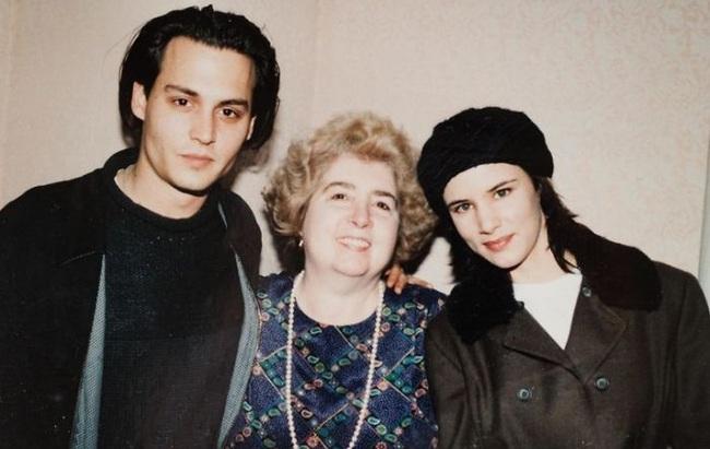Chân dung người phụ nữ quyền lực được Johnny Depp, Keanu Reeves rồi cả Angelina Jolie tranh nhau muốn có bức hình chụp chung với bà - Ảnh 2.