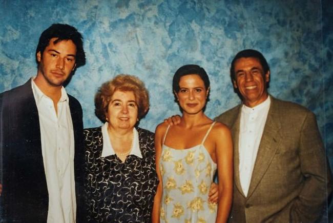 Chân dung người phụ nữ quyền lực được Johnny Depp, Keanu Reeves rồi cả Angelina Jolie tranh nhau muốn có bức hình chụp chung với bà - Ảnh 5.