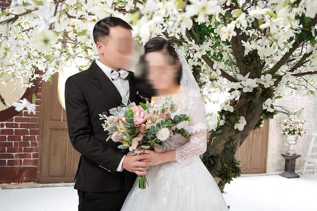 """Cô dâu bị chú rể """"trai tân"""" hủy hôn trước ngày cưới vì phát hiện có chồng và 2 con lần đầu lên tiếng: """"Tôi giờ vẫn còn yêu anh ấy, mấy hôm nay tôi buồn lắm"""" - Ảnh 1."""